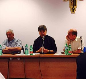 """Don Mimmo Battaglia: """"Accoglienza, comunità terapeutiche"""""""